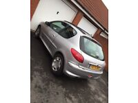 Peugeot 206 1.1 PETROL— Great FULLY WORKING ORDER— BRAND NEW TIRES AND TRACKING— MOT AUG 18