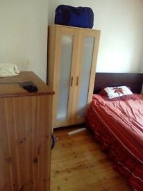 Double room £400 incl. Wifi and council tax