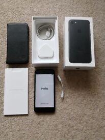 Apple iPhone 7 128gb unlocked small crack at top of bezel
