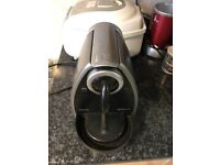 NESPRESSO coffee machine in very good condition only £25