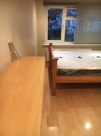 Double room ENSUITE in Thornton Heath. Inclusive of all bills £600pcm. CR7 8JQ .