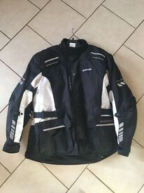 Ixs all weather motorcycle jacket 3xl in black and white
