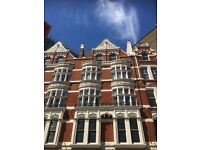 Fantastic 4 double bed duplex in period building