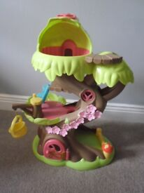 EARLY LEARNING CENTRE HAPPYLAND FAIRY TREE HOUSE WITH ACCESSORIES