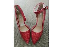 Ladies glitter dancing shoes size 2.5