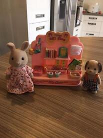 Sylvanian Families Gift Shop with 2 Characters
