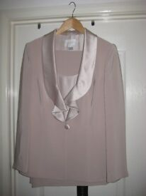 Mother of the bride/groom trouser suit and camisole by 'Coterie'. Size 14. Unworn with tags.