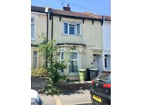 In Need of Modernisation - Make An Offer!! Queens Road Gosport - £179,995