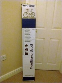 New - Mont Blanc Scott - Roof Mounted Cycle Carrier (Upright)