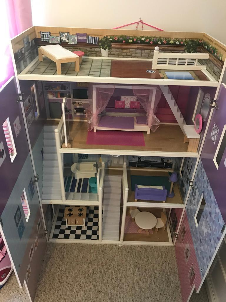 Mamakiddies 1.2m Hampton wooden barbie doll house