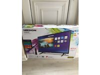 *** REDUCED 32'' Smart TV HD TV BRAND NEW IN BOX