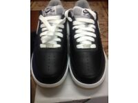 GENUINE NIKE AIR FORCE (BLACK & WHITE) TRAINERS SIZE 7.5 (BRAND NEW AND BOXED)