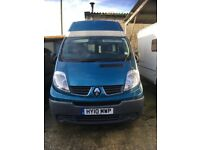 Renault traffic DCi 115 high top with factory fitted windows