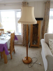 Standard lamp in Teak wood