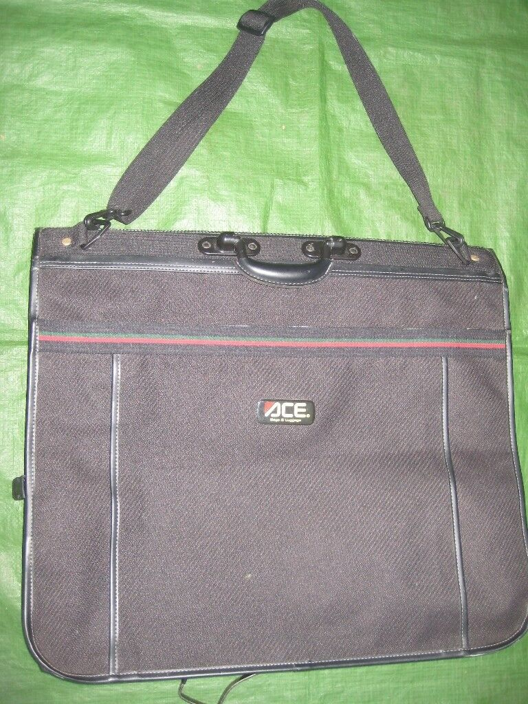 ACE Black Fabric Suit/Clothes Carrier