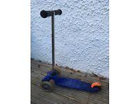 Kids mini micro scooter in blue