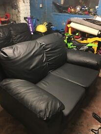 3 seater & 2 seater black leather sofa