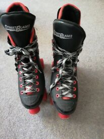 Skates street Blades in black and red size 5