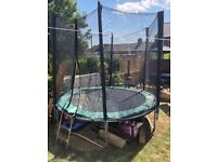 8 foot trampoline with safety net enclosure