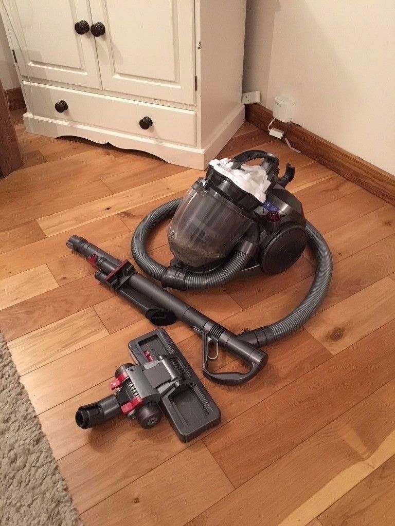 Dyson Dc19dbi Independent Bagless Cylinder Vacuum Cleaner Strong Warranty Excellent Hoover