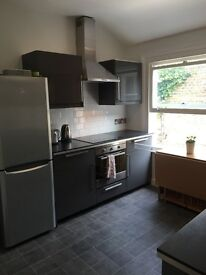 LOVELY DOUBLE ROOM IN TOOTING AVAILABLE ,ALL BILLS INCLUED