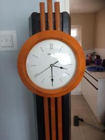 Tall pendulum clock