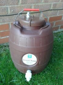 Pressure barrel for home brewing