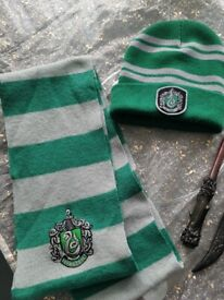 Hat and scarf Harry Potter