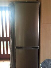 Samsung Frostfree fridge freezer L39