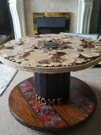 VINTAGE COFFE TABLE FOR SALE ON WHEELS