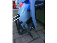 Hamax child's bike seat with attachment