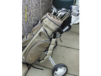 LADIES RIGHT HAND GRAPHITE GOLF CLUBS WITH BAG & TROLLEY