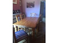 Great condition Solid wood dining table and 6 chairs