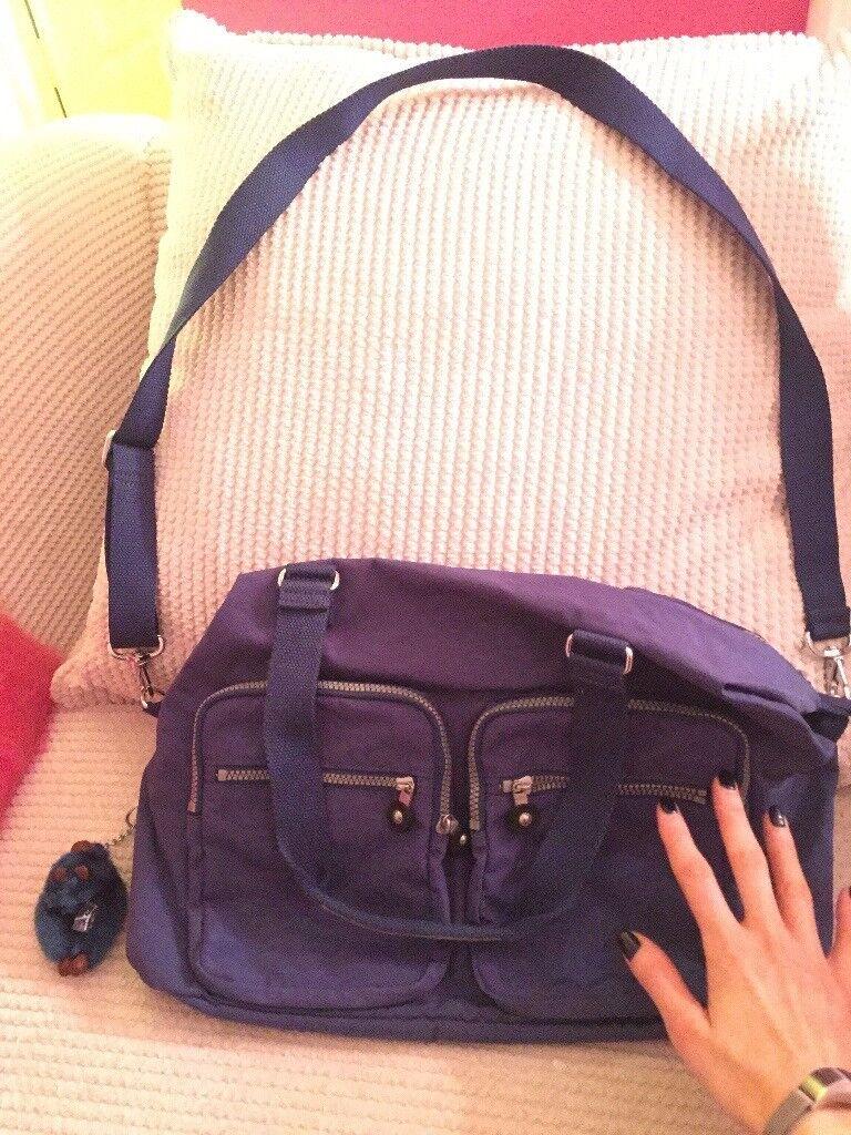 Large Kipling bag. Never been used. Navy.