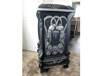 Vintage La Fontaine Aluminium free standing gas heater.