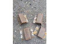 Lorry dropside hinges and support pillar brackets