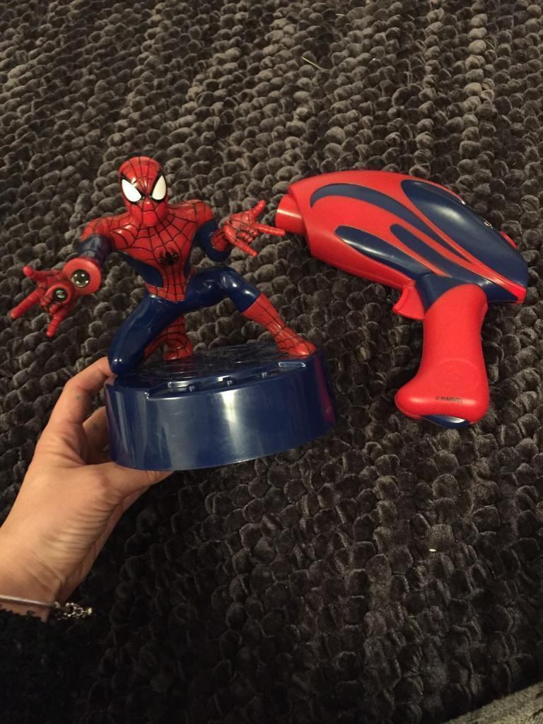 Spider-Man chase the rhino shooting game