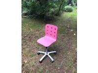 Pink girls swivel chair