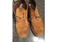 CLARKS IN AMAZING CONDITIONS ONLY 19 SIZE 9UK