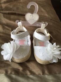 White Baby shoes 0-3 months