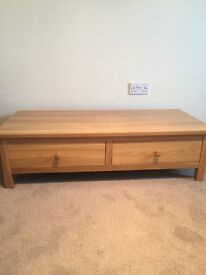 Solid oak 2 draw coffee table