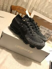 Nike air vapormax flyknit size 7 fits 8 NEW!