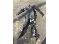 Sola 5mm wetsuit Limited Edition Cross should zip size medium