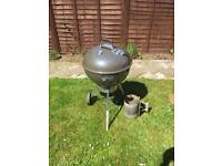 """Weber 22"""" kettle barbecue"""