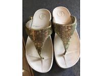 Gold fit flops