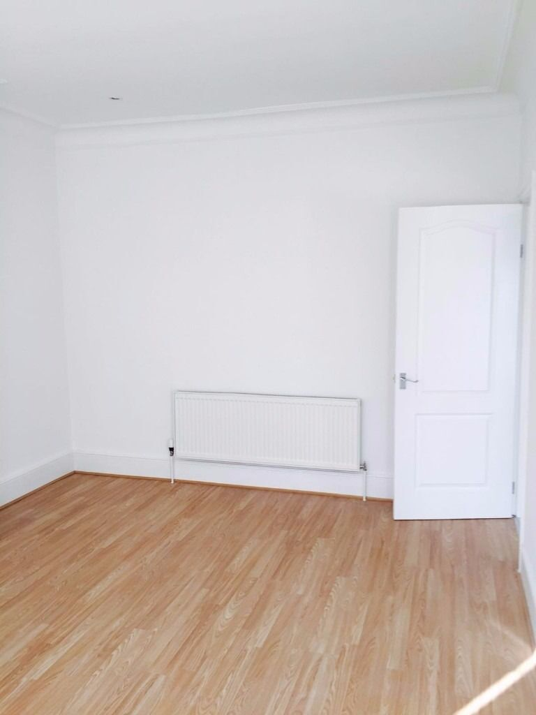 NEWLY REFURBISHED 2 BED FLAT TO RENT IN GOODMAYES FOR £1175PCM!! FURNISHED. 5 MINS GOODMAYES STATION
