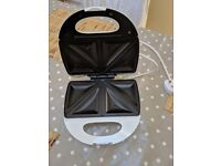 Electric Toasted Sandwich / Toastie Maker -- £5