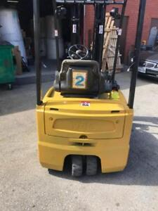 Used Yale forklift, lift truck 3200lbs capacity 15.5ft Max Lifting Height decent battery