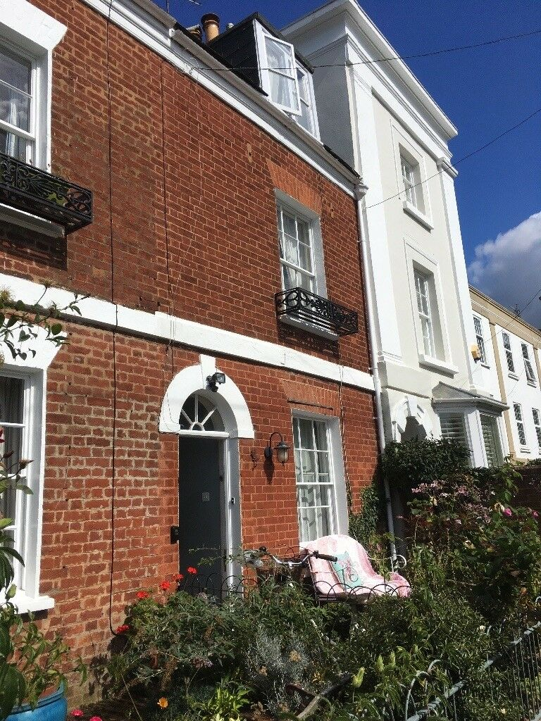 Three bedroom three storey townhouse to rent in Exeter ...