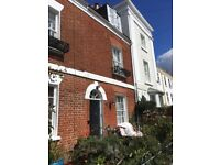 Three bedroom three storey townhouse to rent in Exeter city centre